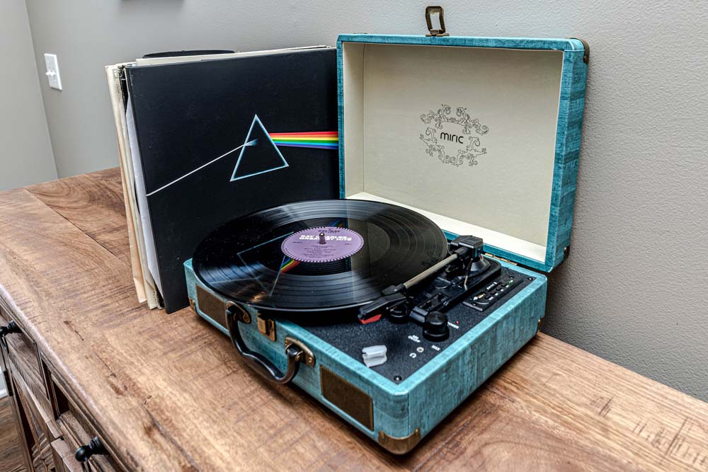 Best Turntable With Built-In Speakers