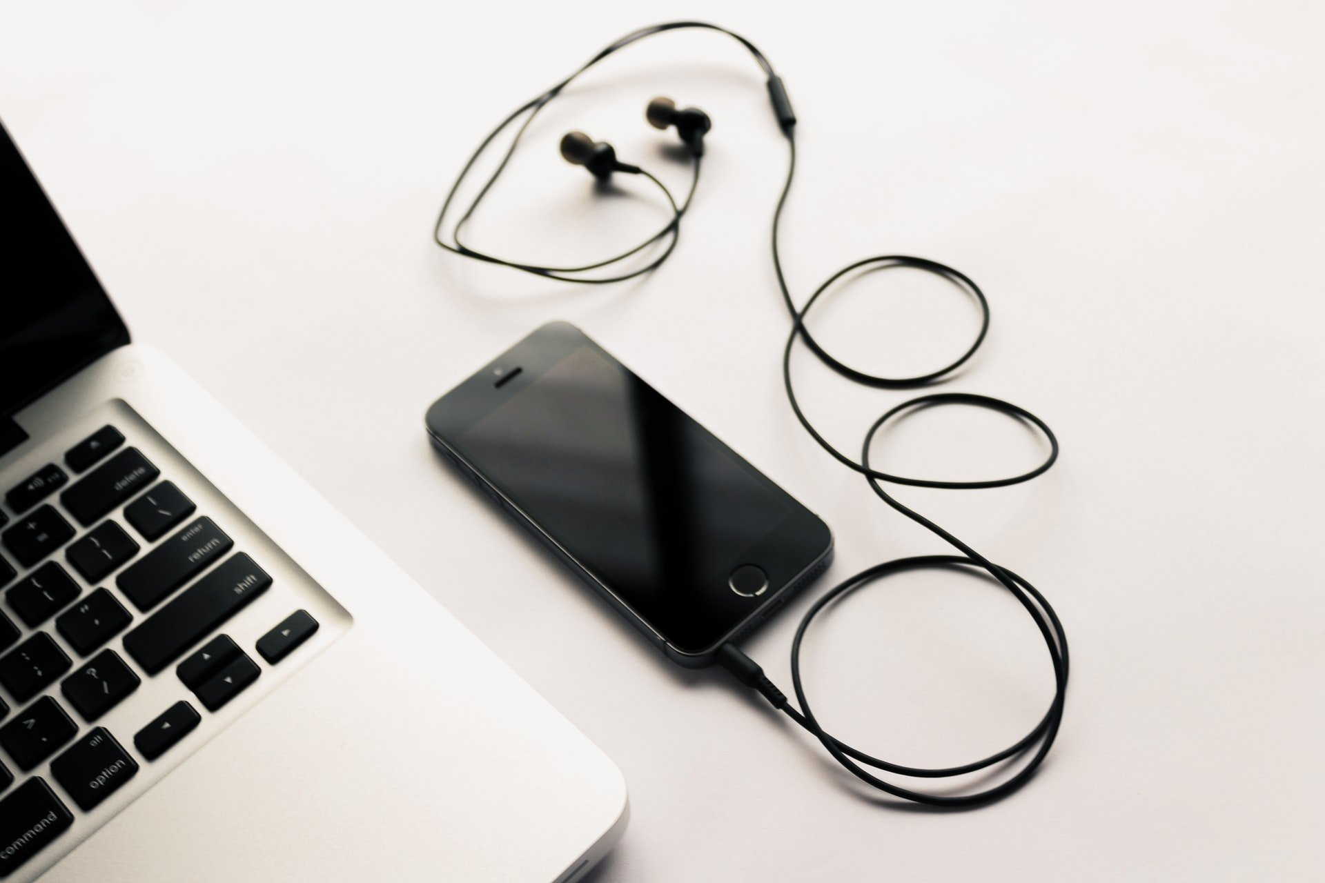 Best Tangle Free Earbuds With Mic And Flat Cable
